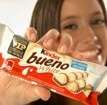 KINDER BUENO WHITE  VIP BACKSTAGE. A Advertising, Film, Video, and TV project by lineker - 29-05-2010