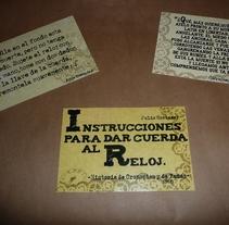 Instrucciones para dar cueda al reloj- postales. Um projeto de Design e Ilustração de Micaela Salomón         - 25.03.2012