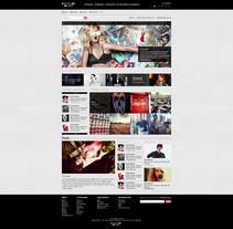 Refonte du site Shoot Me More. Um projeto de Design de Laure Chassaing - 03-07-2013