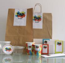 TAP. Um projeto de Design de acessórios, Br, ing e Identidade, Design gráfico e Packaging de Anna Carbonell Sariola - 17-07-2013