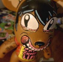 Custom Art Toy - Muñeco personalizado. A Design&Illustration project by Kaeru          - 24.11.2013
