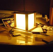Lamp Design and Fabrication for a Aesthetic Center and Spa. Um projeto de Artesanato, Design de móveis e Arquitetura de interiores de Desiree Diaz Carrascoso         - 30.04.2014