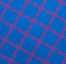 Corbatas y foulares / CEU. Un proyecto de Diseño, Diseño de complementos, Diseño de producto, Diseño de vestuario y Diseño gráfico de Bevero  - Domingo, 09 de junio de 2013 00:00:00 +0200