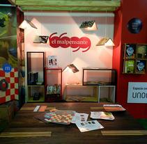 Stands para la Revista El Malpensante. Um projeto de Design, Eventos e Design industrial de Jimena  Noreña Giraldo         - 08.07.2014