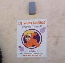 """Imagen Escuela Infantil """"La Vaca Peluda"""". Un proyecto de Diseño, Diseño de personajes, Consultoría creativa, Diseño gráfico y Diseño de producto de Rubén García         - 04.03.2015"""
