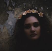 Royals. Un proyecto de Fotografía de Emilia Dajó         - 08.03.2015