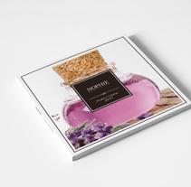 Catálogo Nophie Essences. Un proyecto de Diseño editorial y Diseño gráfico de Carlos Laviñeta         - 10.03.2015