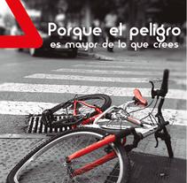 Folleto de seguridad vial en bicicleta. Um projeto de Design, Design editorial e Design gráfico de Ángel J. Alonso Moruno         - 25.11.2014
