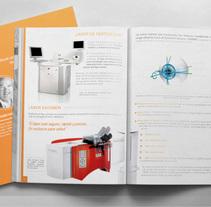 Manuales Refractive Academy. Um projeto de Design, Br e ing e Identidade de Ms. Barrons         - 19.08.2015