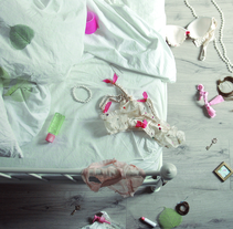 """""""Sunstone"""" Open titles para OFFF2014. Un proyecto de Diseño, Publicidad, Cine, vídeo, televisión, Dirección de arte, Consultoría creativa, Educación, Diseño de títulos de crédito, Diseño de iluminación, Post-producción, Cop, writing y Vídeo de Aimée Duchamp - 24-08-2015"""