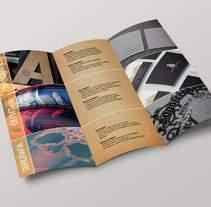 Folleto Tríptico . Un proyecto de Diseño, Fotografía, Diseño editorial, Diseño gráfico y Serigrafía de Rodrigo Alfaro         - 18.04.2016