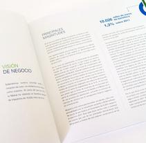 Memoria anual Pelayo 2012. Un proyecto de Diseño editorial y Diseño gráfico de Beatriz  Costo          - 22.09.2011