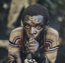 VICE NEWS · Forced Out of the Forest: The Lost Tribe of Uganda. A Photograph, Video, and TV project by Tomás  Benito - 02-06-2015