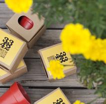 MERCHANDASING DIKA estudio #despliegatuilusión #summervibes. Un proyecto de Diseño, Diseño gráfico y Diseño de producto de DIKA estudio         - 25.08.2017