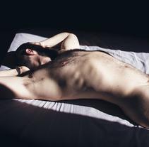 I keep your photograph beside my bed. Um projeto de Publicidade e Fotografia de David Guillén Domínguez         - 22.03.2018